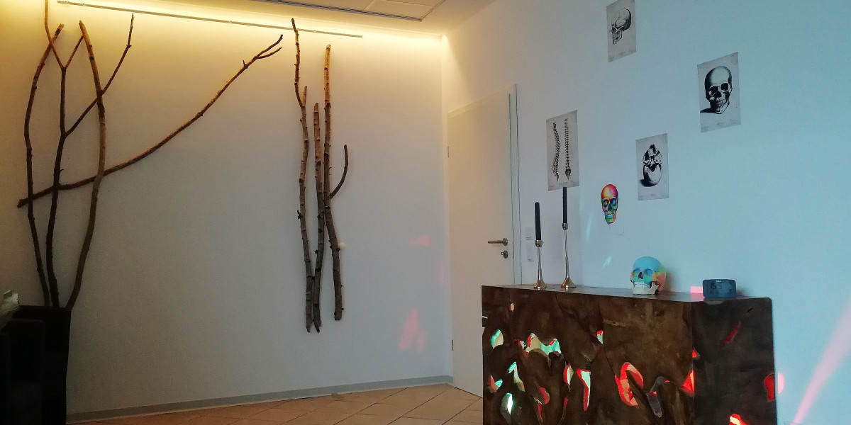 Behandlungsraum Sideboard Wald
